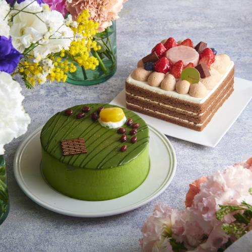 Mother's Day Strawberry Chocolate Pudding Cube . Matcha Whole Cake